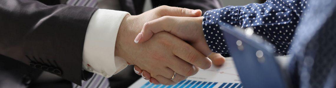 uścisk-dłoni-mniejszy-1